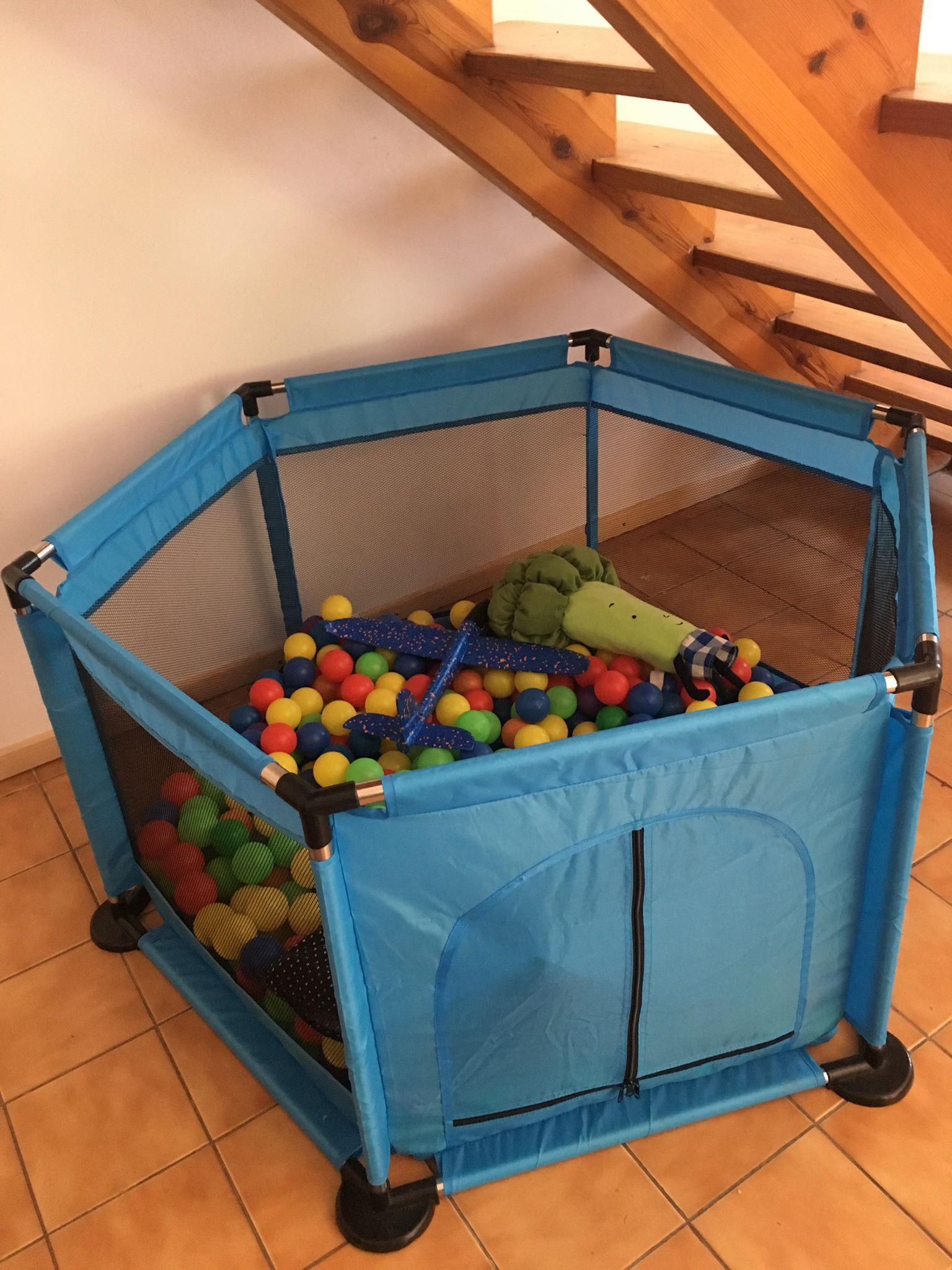 Kojec z piłkami dla najmłodszych   pokoje nad jeziorem łagowskim